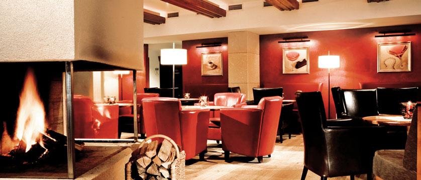 Hotel Rieser, Pertisau, Lake Achensee, Austria - Lounge.jpg